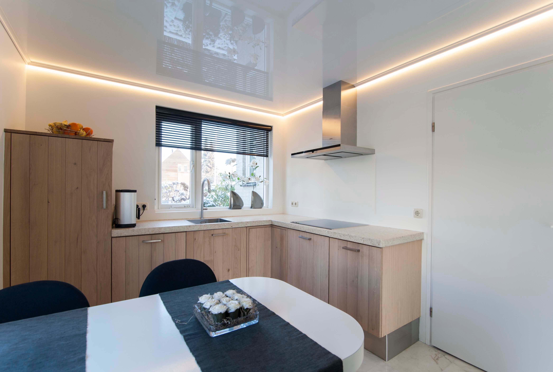 Keukens dreamplafonds for Plafond sierlijst