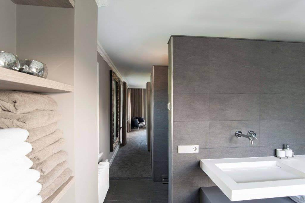 Een nieuw badkamer plafond? Binnen één dag een nieuw spanplafond!